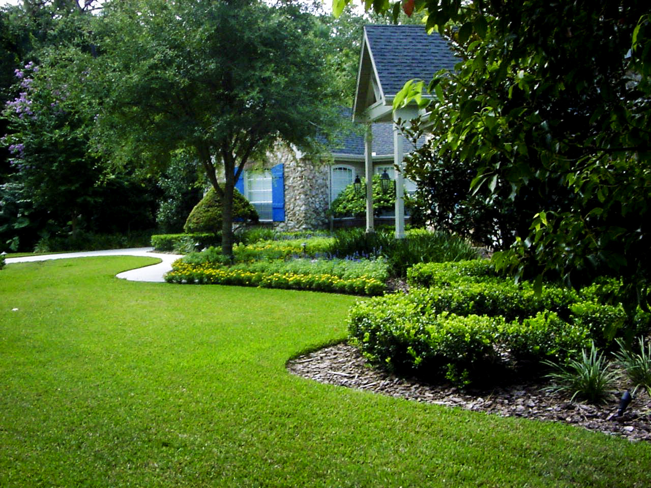 Ac landscaping for Home garden landscape designs
